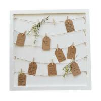 esküvői vendégkönyv (alternatív) – képkeret fa csipeszekkel és kártyákkal