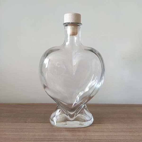 üvegpalack - szív alakú, nagy (500 ml)