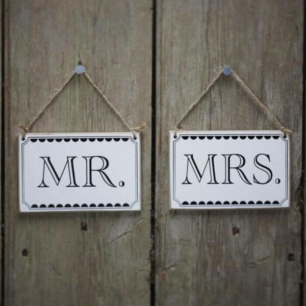 Mr és Mrs fatáblák