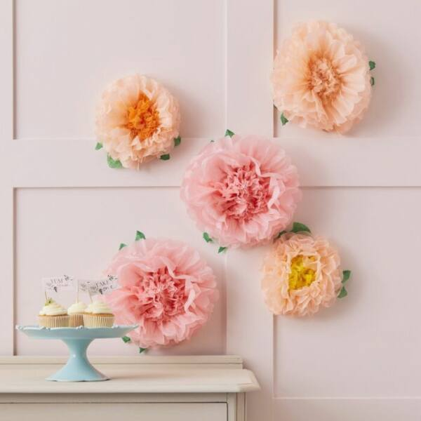 virág pompom dekoráció